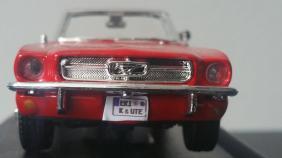 Ford Schild4
